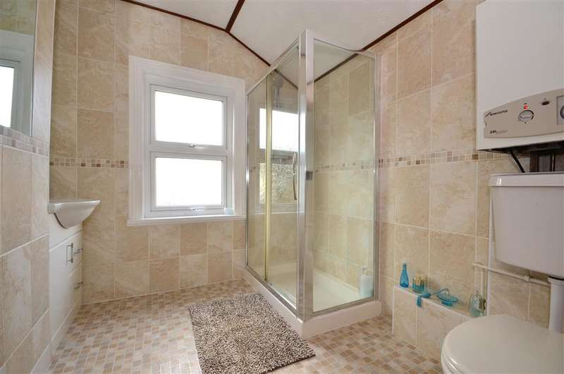 4 Bedrooms Terraced House for sale in Quested Road, Folkestone, Kent
