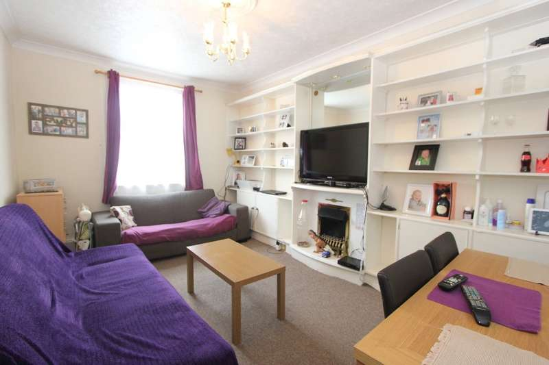2 Bedrooms Flat for sale in Old Mill Road, Torquay
