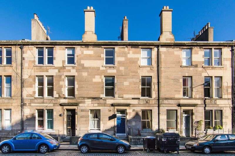 4 Bedrooms Flat for sale in 2F2, 34 Madeira Street, Leith, Edinburgh, EH6 4AL
