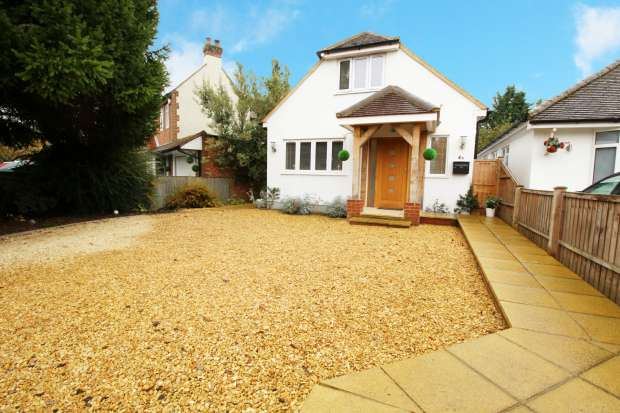 3 Bedrooms Detached House for sale in Goodwin Meadows , High Wycombe, Buckinghamshire, HP10 0AT