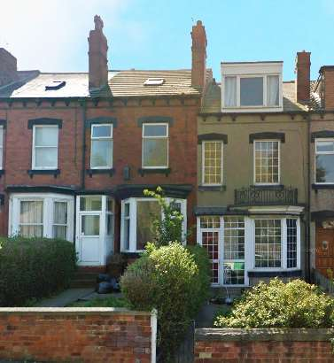 4 Bedrooms Terraced House for sale in Silveroyd Hill, Leeds, West Yorkshire, LS12 4QQ
