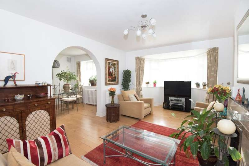 3 Bedrooms Flat for sale in Buckingham House, Sheen Road TW10