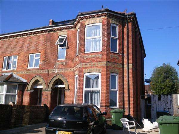 8 Bedrooms Detached House for rent in Alma Road, Available from 1st July 2017, Southampton