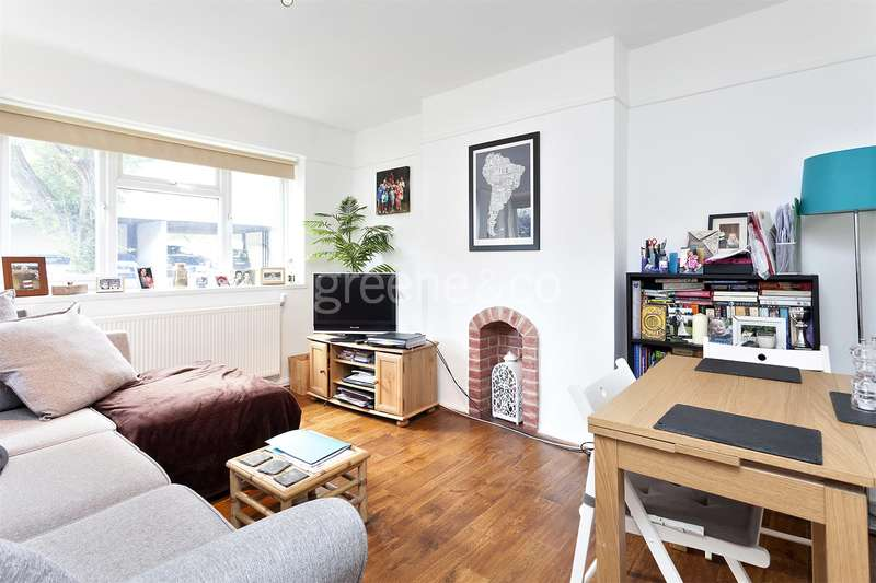 1 Bedroom Flat for sale in Goodwin Court, Campsbourne Road, Crouch End, London, N8