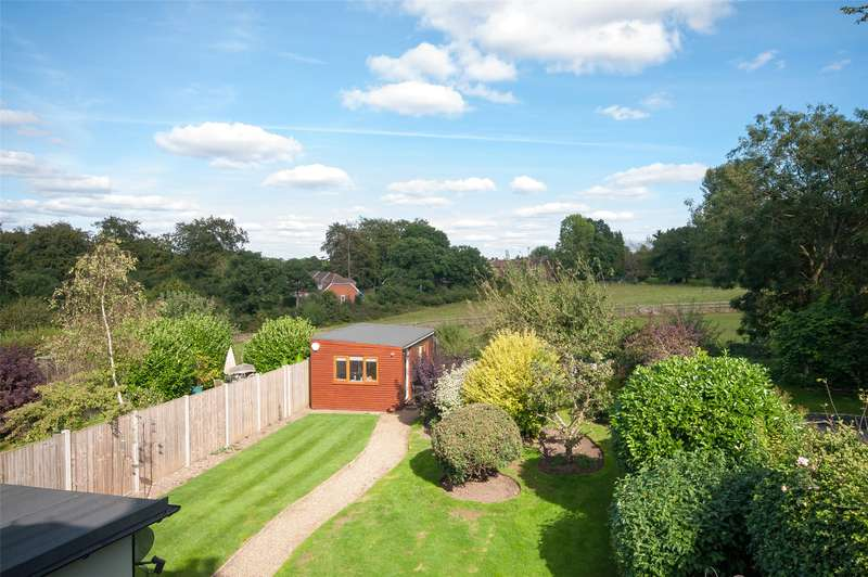 2 Bedrooms Semi Detached House for sale in Tot Hill, Headley, KT18
