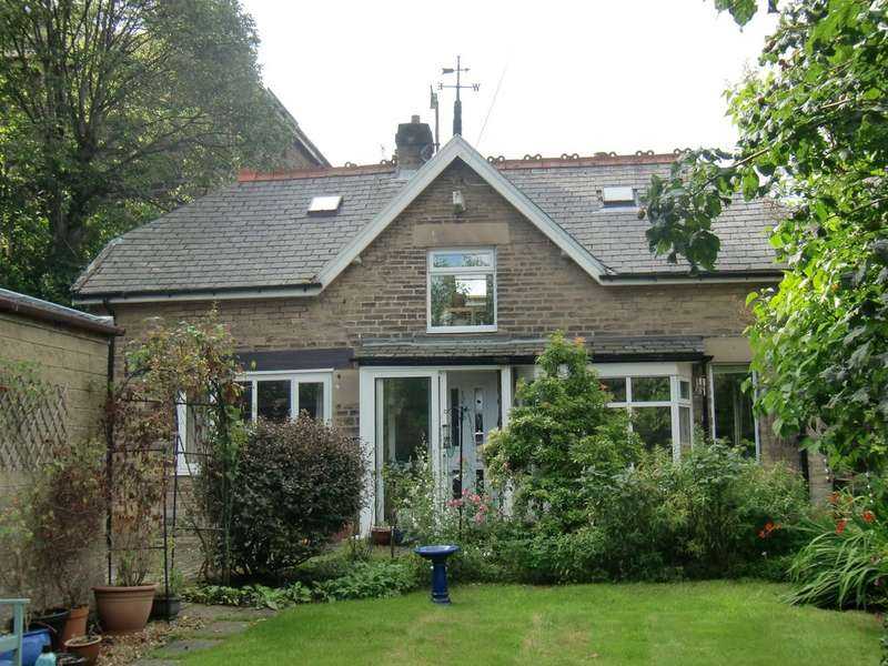 2 Bedrooms Detached House for sale in Hardwick Square West, Buxton