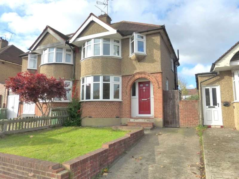 3 Bedrooms Semi Detached House for sale in Woodmere Avenue, Watford