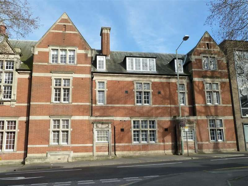1 Bedroom Property for sale in Wessex Court, Clarence Street, Swindon