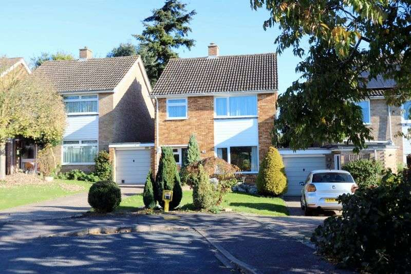 4 Bedrooms Detached House for sale in Pine Croft, Marlow