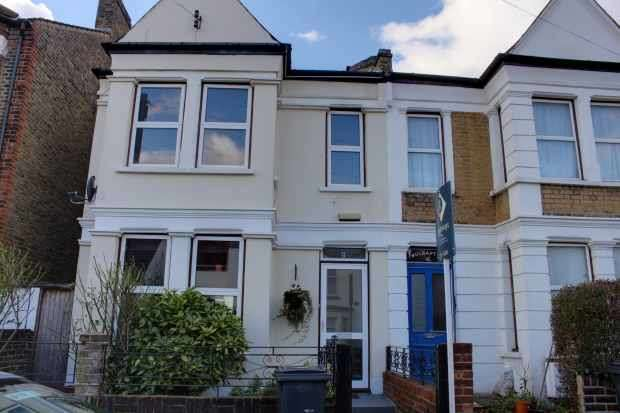5 Bedrooms Semi Detached House for sale in Selsdon Road, West Norwood, London The Metropolis[8], SE27 0PG