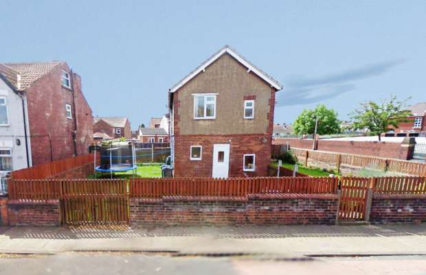 3 Bedrooms Semi Detached House for sale in Staveley Street, Doncaster, South Yorkshire, DN12 1BP