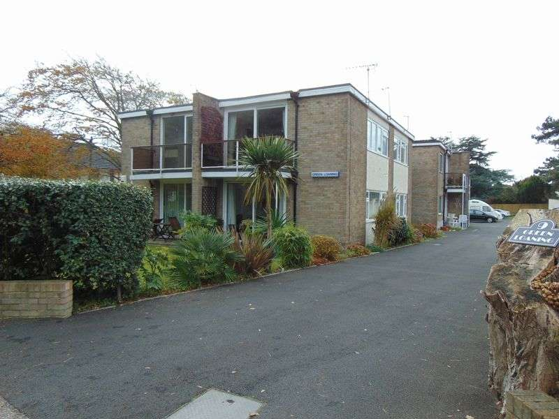 2 Bedrooms Flat for sale in 9 Mudeford, Christchurch