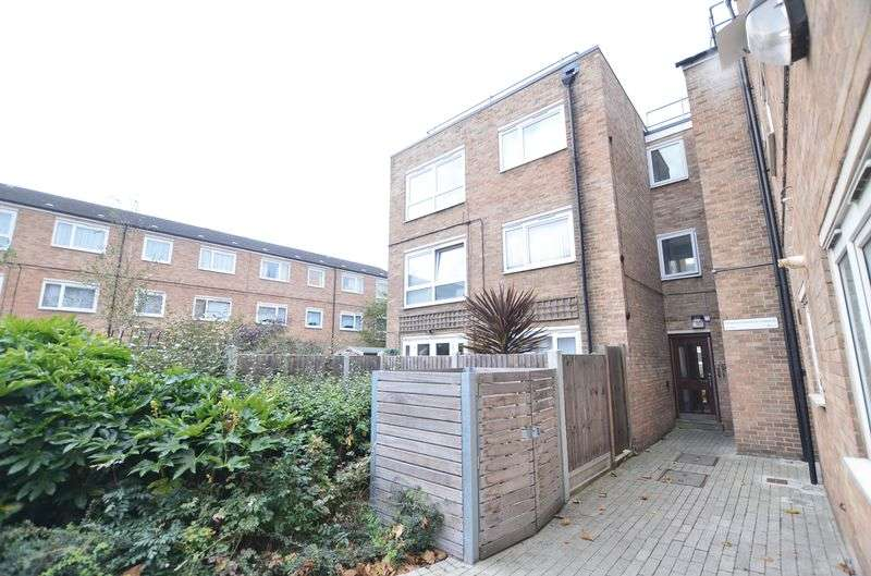 1 Bedroom Flat for sale in Patrick Connolly Gardens, Bow E3