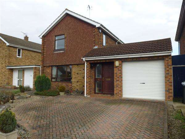 3 Bedrooms Detached House for sale in Greenfield Park Drive, Stockton Lane, York