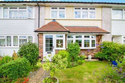 3 Bedrooms Terraced House for sale in Coopersale, Epping, Essex