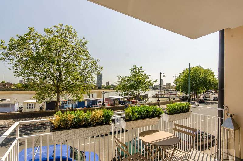 3 Bedrooms Flat for sale in Cheyne Walk, Chelsea, SW10