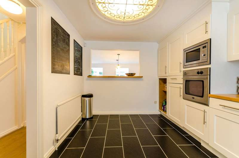 4 Bedrooms House for sale in Beaufort Close, Putney Heath, SW15