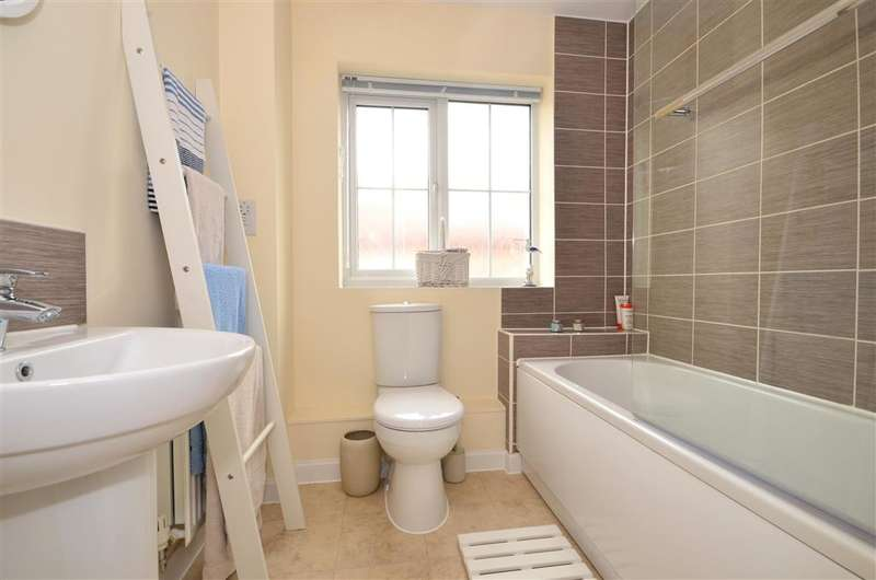 3 Bedrooms Semi Detached House for sale in Nicholas Way, Sholden, Deal, Kent