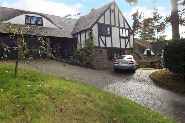 5 Bedrooms Detached House for sale in Stonehill Road, Headley Down, Bordon, Hampshire