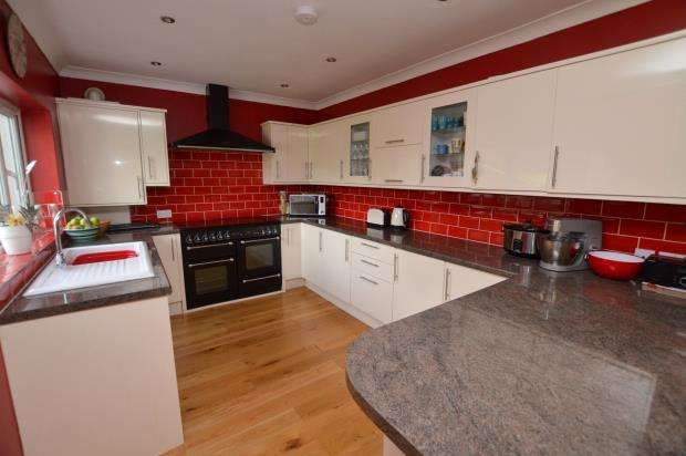 4 Bedrooms Detached Bungalow for sale in Wembury Road, Hollacombe, Wembury, Nr Plymouth