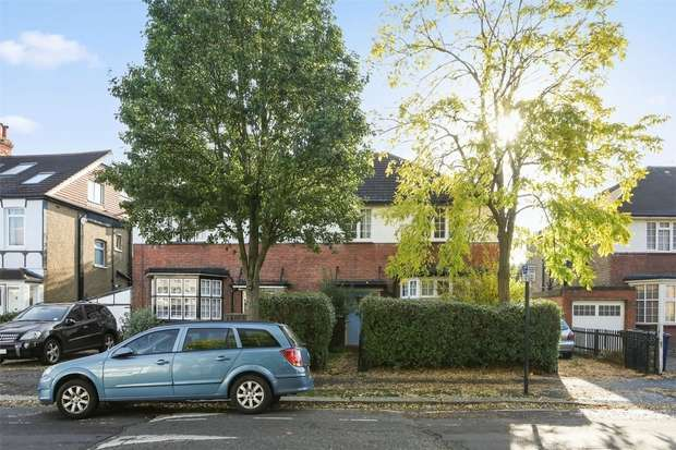 4 Bedrooms Semi Detached House for sale in Lynton Road, Acton/ Ealing