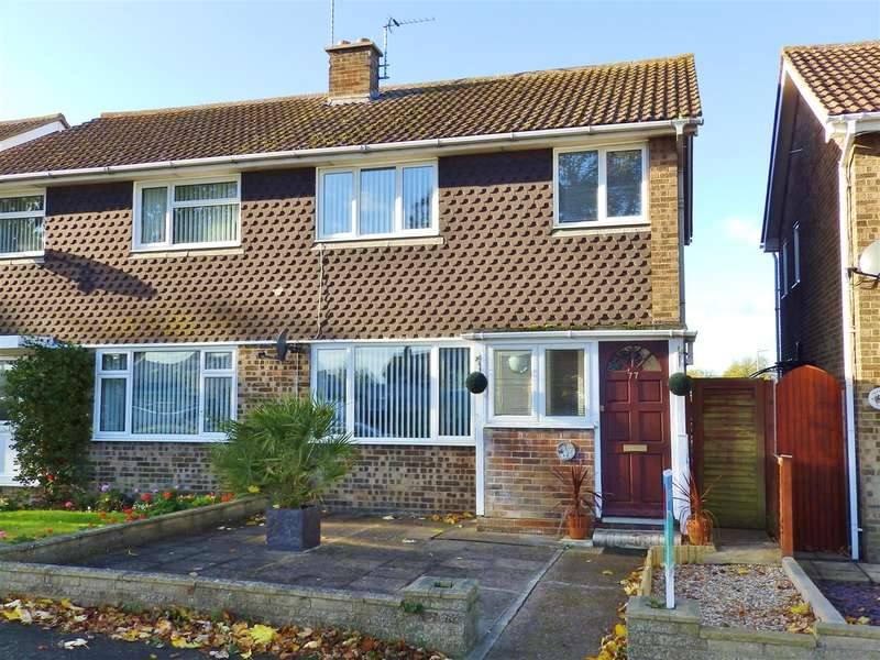 3 Bedrooms Semi Detached House for sale in Gainsborough Crescent, Eastbourne