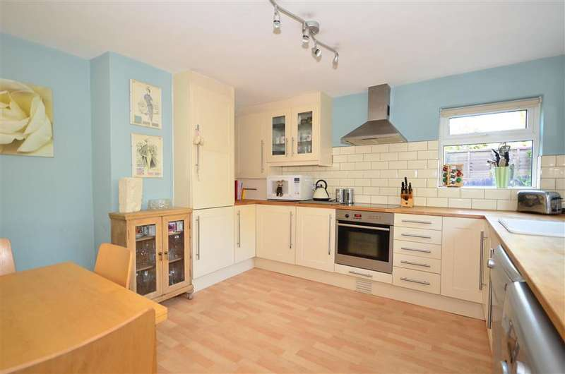 3 Bedrooms End Of Terrace House for sale in The Platt, Dormansland, Surrey