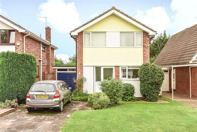 3 Bedrooms House for sale in Charlton Close, Ickenham, Uxbridge, Middlesex, UB10