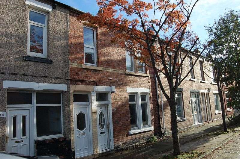 2 Bedrooms Flat for sale in ** HOT PROPERTY ** Charles Street, Boldon Colliery