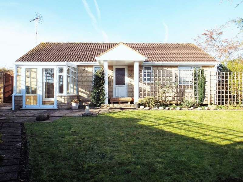 2 Bedrooms Detached Bungalow for sale in Frogwell, Chippenham