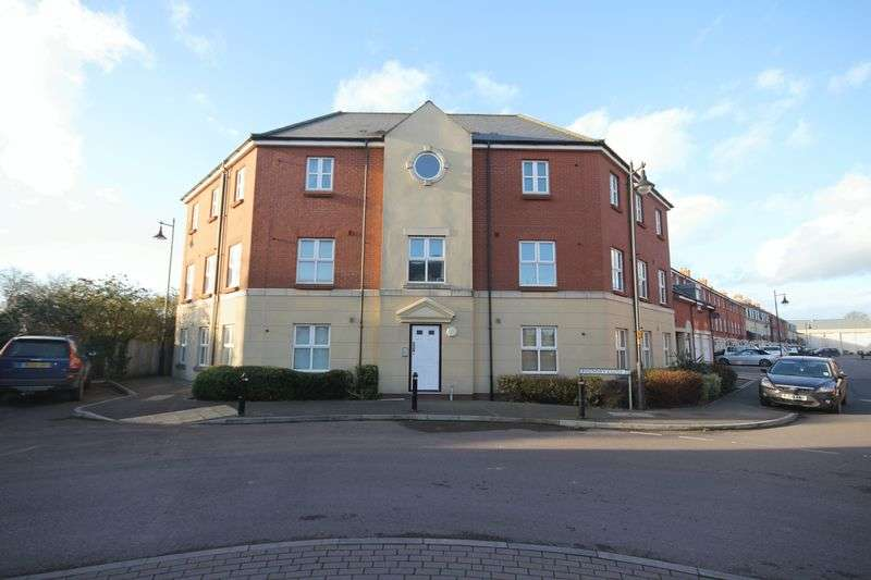 2 Bedrooms Flat for sale in Foundry Close, Melksham