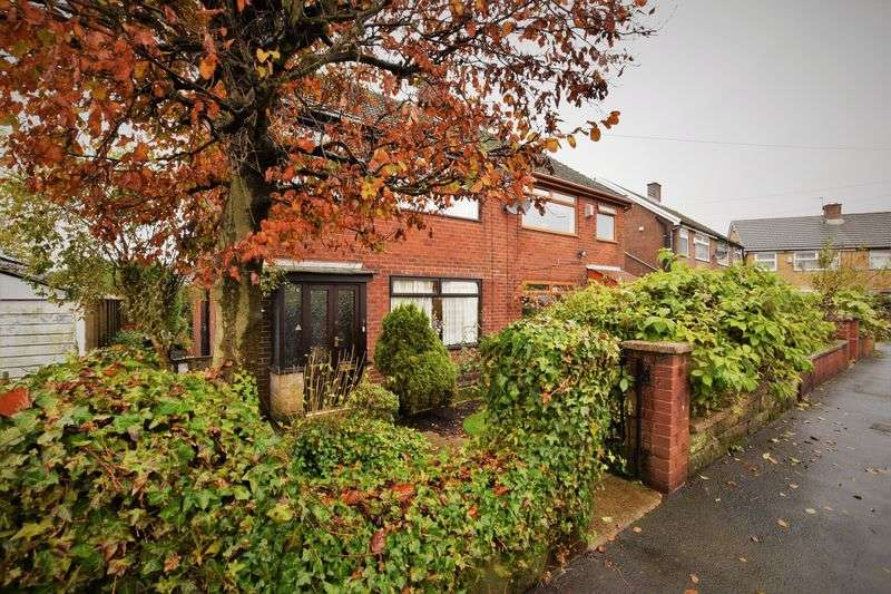 3 Bedrooms Semi Detached House for sale in Haugh Hill Road, Oldham