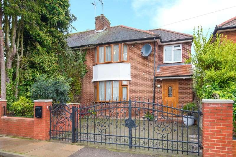 4 Bedrooms House for sale in Buckingham Gardens, Edgware, HA8