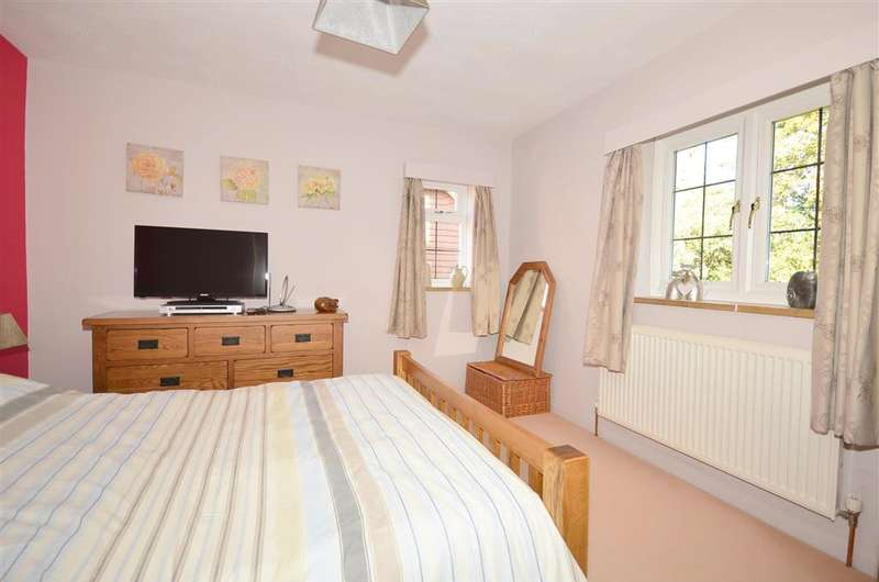3 Bedrooms Detached House for sale in Mill Lane, East Hoathly, East Sussex