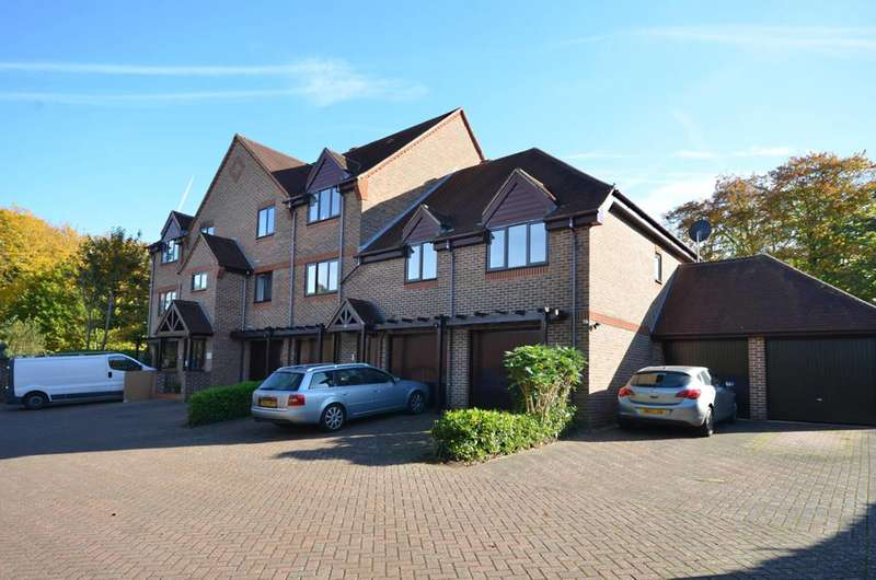 2 Bedrooms Flat for sale in Albury Road, Guildford, GU1