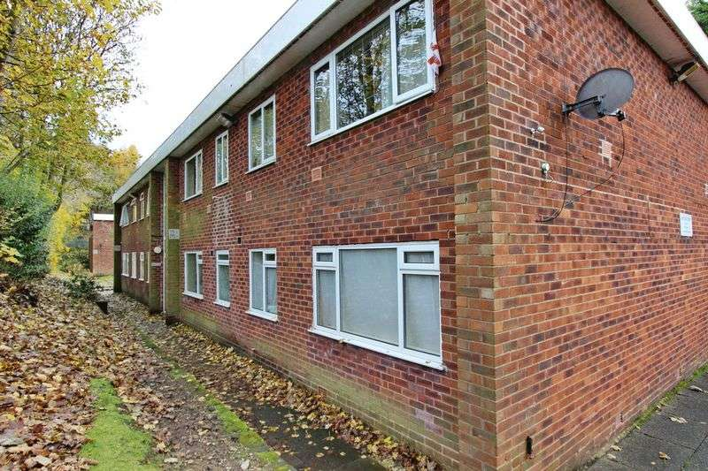 1 Bedroom Flat for sale in Carlton Court, Kersal Road, Prestwich, Manchester
