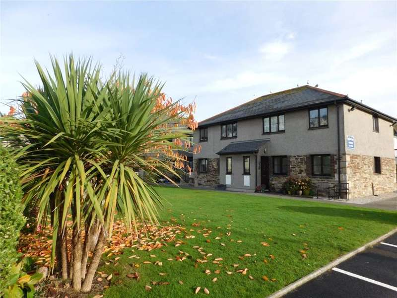 2 Bedrooms Flat for sale in Poplars Court, Perranporth