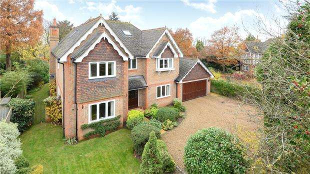 7 Bedrooms Detached House for sale in Harvest Hill Road, Maidenhead, Berkshire