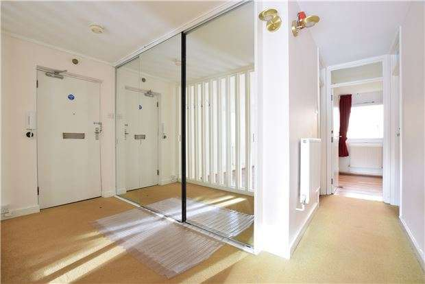 2 Bedrooms Flat for sale in Molyneux Park Road, TN4 8DJ