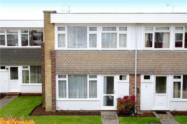 2 Bedrooms Terraced House for sale in Fittleworth Garden, Rustington, West Sussex, BN16