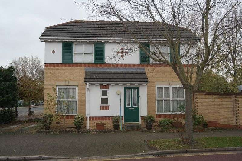 3 Bedrooms Detached House for sale in Ware Point Drive, West Thamesmead
