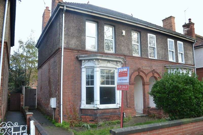 4 Bedrooms Semi Detached House for sale in Parnell Street, Gainsborough