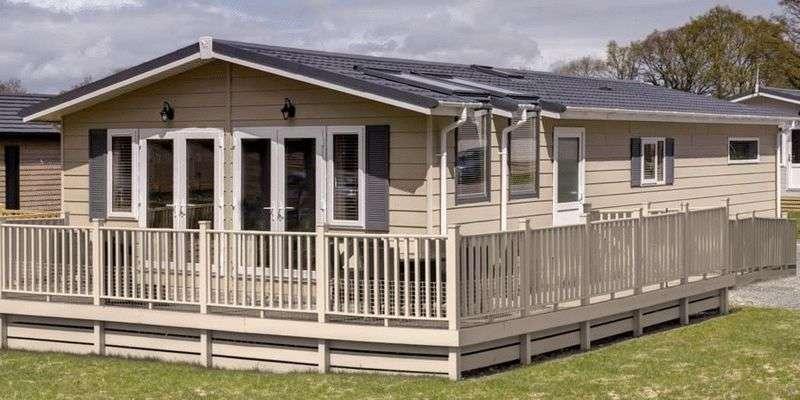 2 Bedrooms Bungalow for sale in Fishguard Bay Resort, Dinas Cross, Newport, Pembrokeshire, SA65 9ET