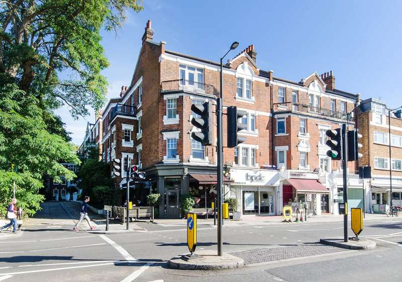 3 Bedrooms Flat for sale in Colehill Gardens, Fulham, SW6