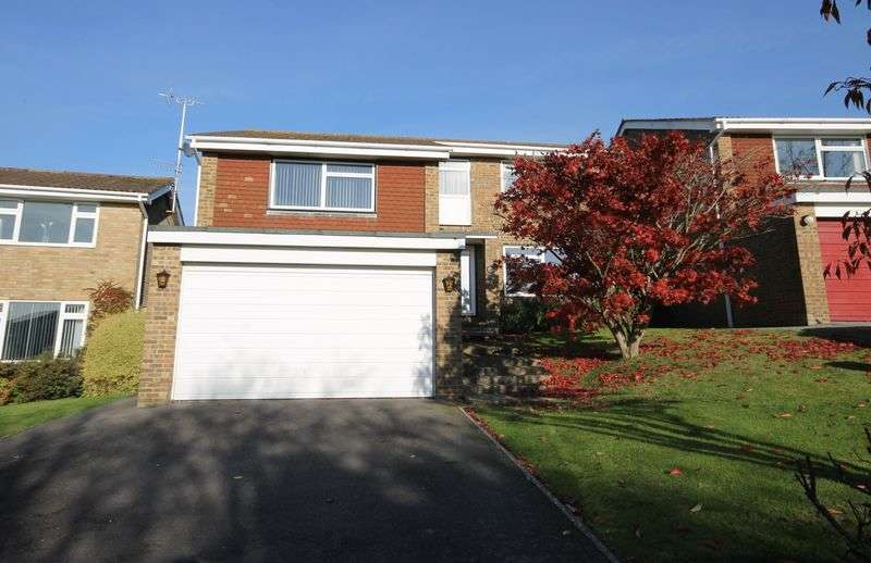 4 Bedrooms Detached House for sale in Welbeck Drive, Burgess Hill, West Sussex