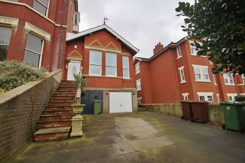 2 Bedrooms House for sale in Oxford Road, Birkdale