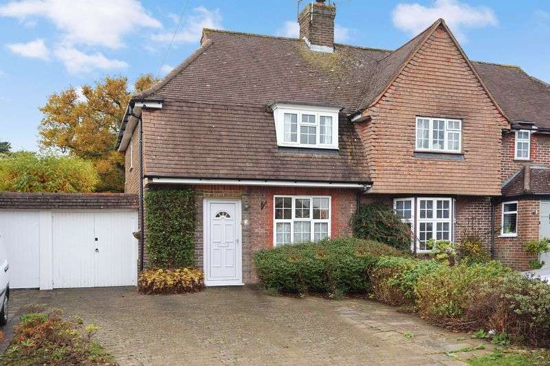 2 Bedrooms Semi Detached House for sale in Burgh Heath