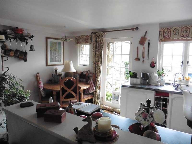 2 Bedrooms End Of Terrace House for sale in Terminus Road, Blackboys, Uckfield, East Sussex