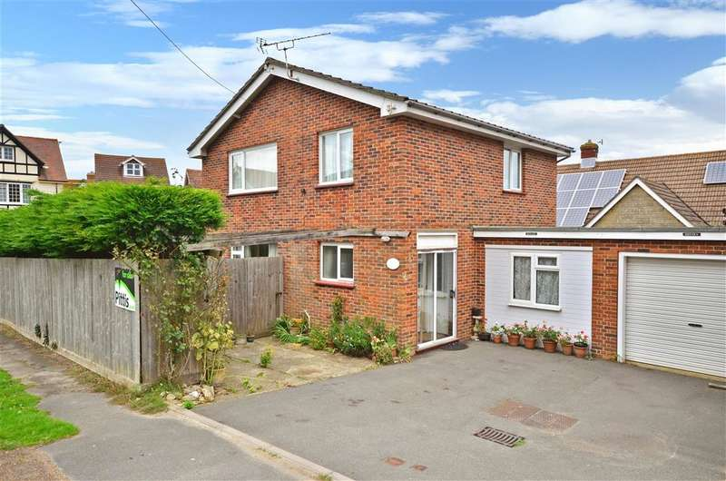 3 Bedrooms Link Detached House for sale in Kendal Road, Totland Bay, Isle of Wight