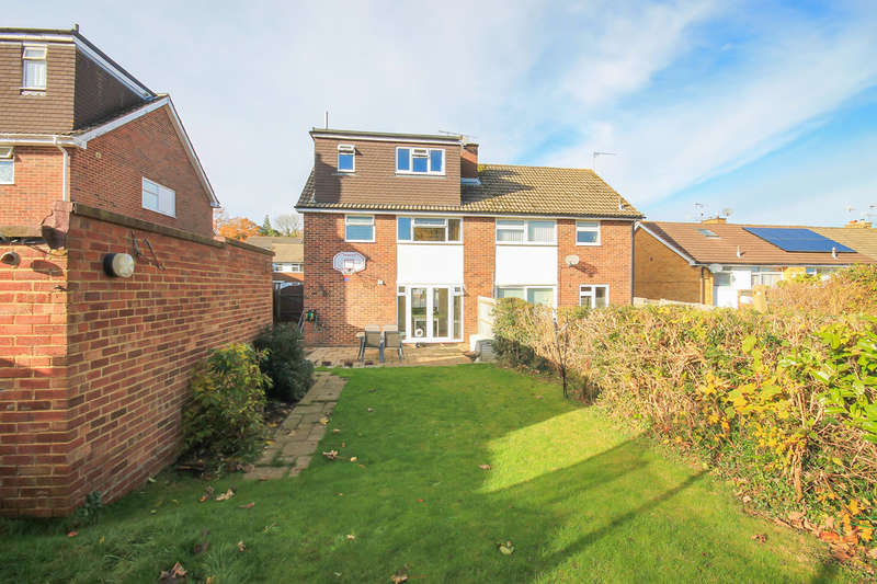 4 Bedrooms Semi Detached House for sale in Willow Close, East Grinstead